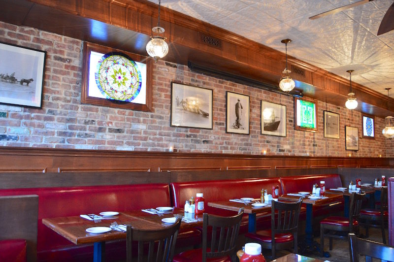 Indian Wells Tavern