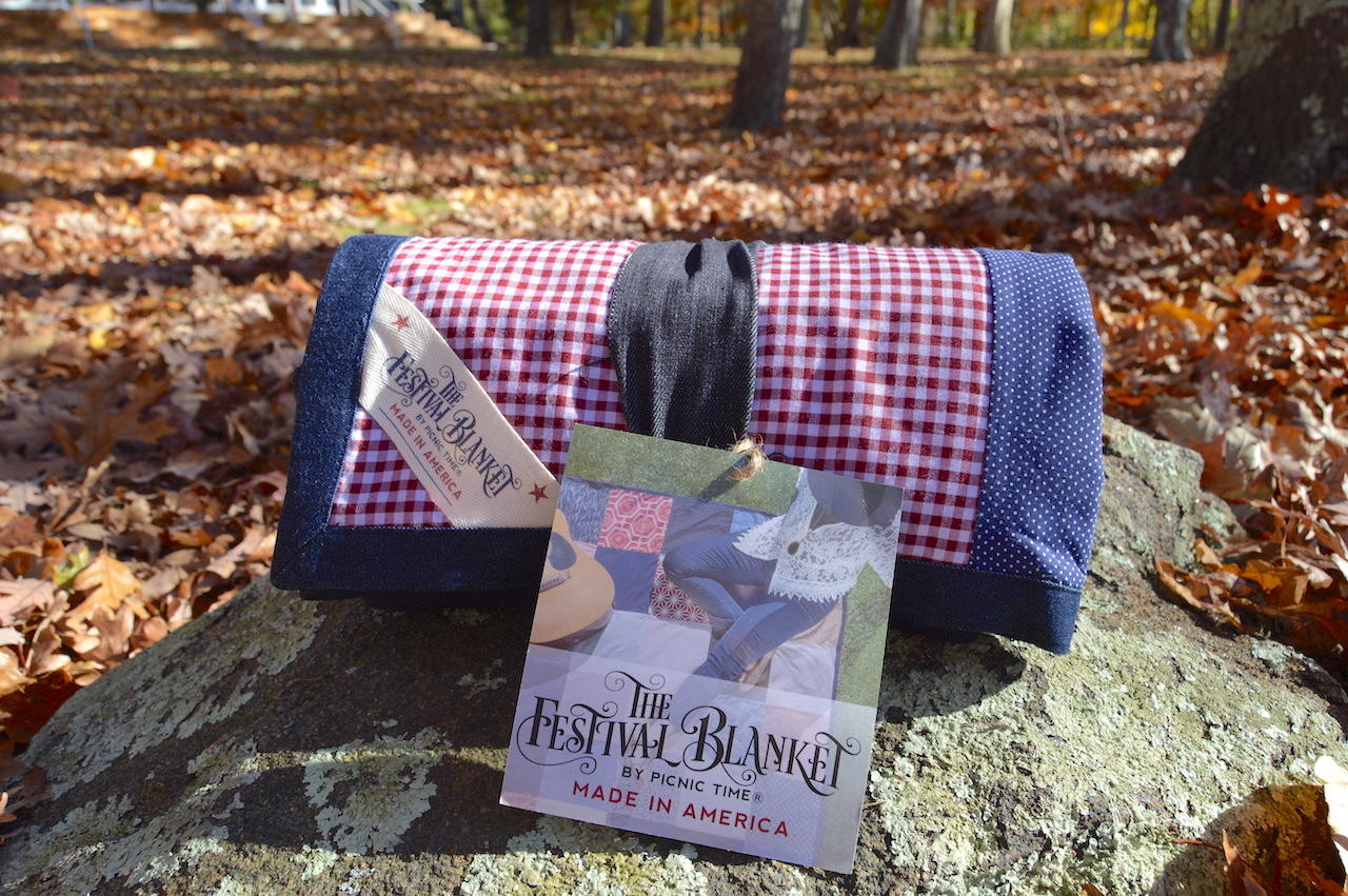 Trendy Picnic Festival Woven Blanket Giveaway