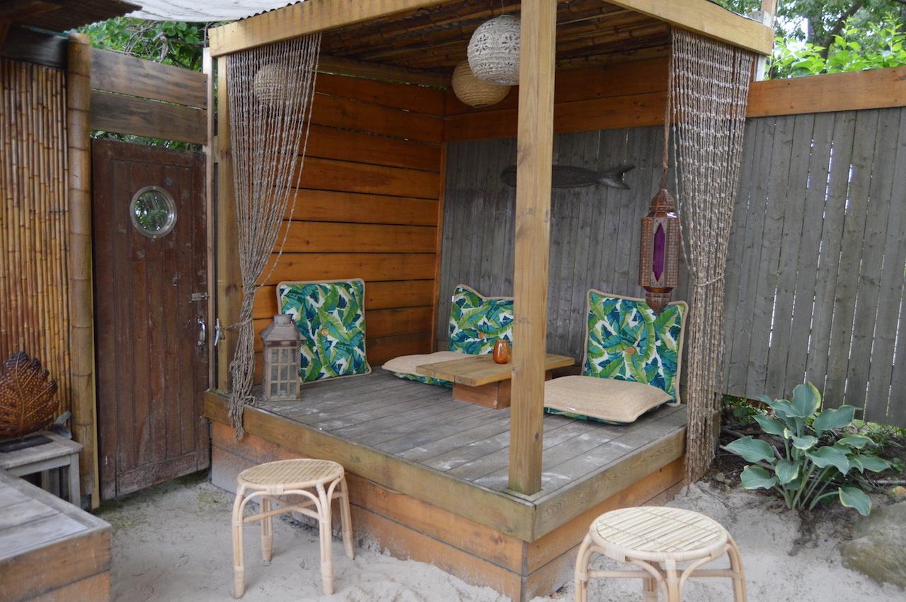 Lynn's Hula Hut