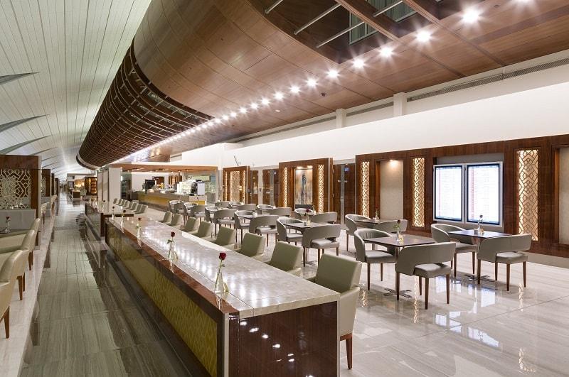 dubai emirates business class lounge east end taste