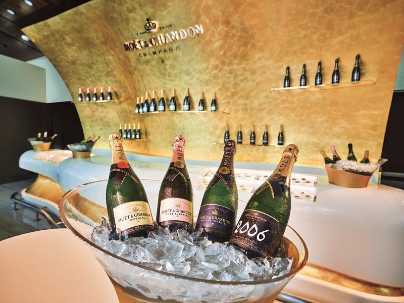 dubai emirates business class lounge east end taste champagne lounge
