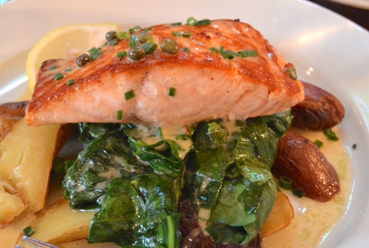 salmon east end taste indian wells tavern amagansett