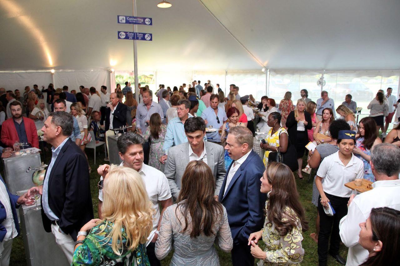 Atmosphere at SWCRF 15th Annual Hamptons Happening -min