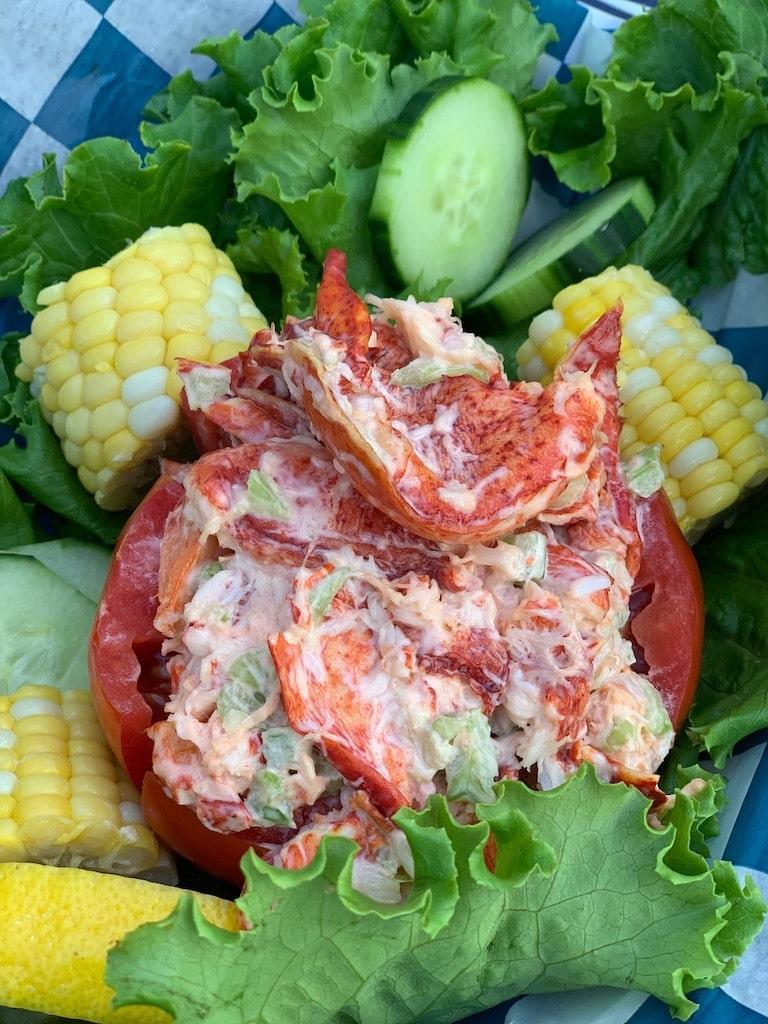 hooked montauk east end taste lobster roll