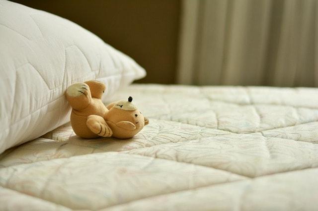 mattress-2489615_640-min