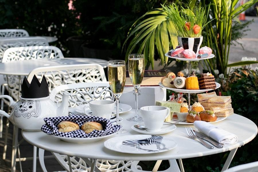 the sanderson hotel london alice in wonderland afternoon tea