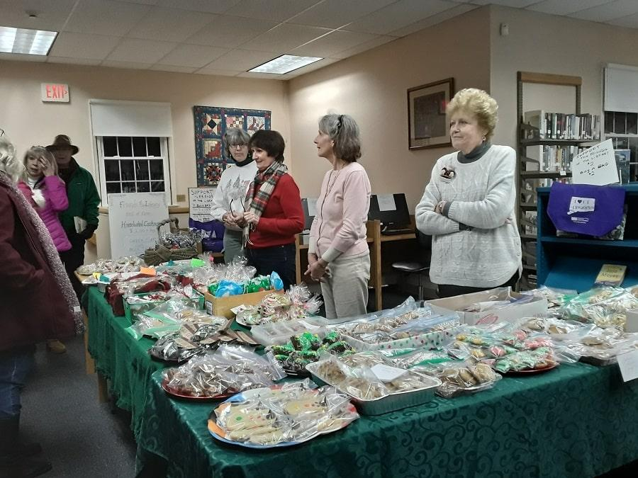 bethlehem christmas fair connecticut 2019 women shopping