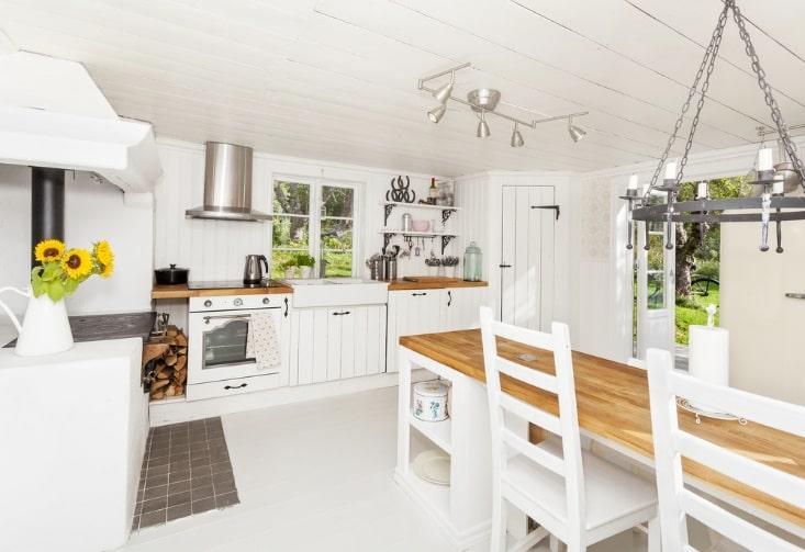 personalized farmhouse touches interior design
