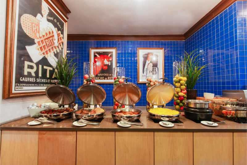WGNYC_TudorCityMarketplace_Breakfast_001-min