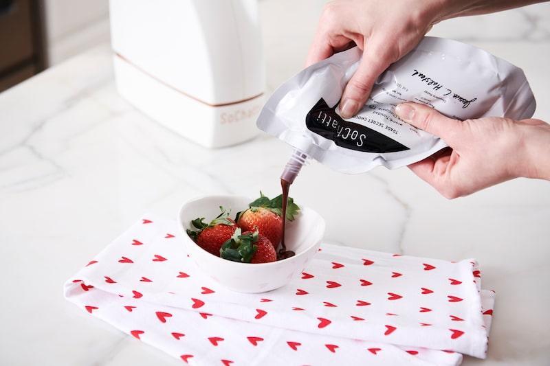 sochatti chocolate strawberries bowl