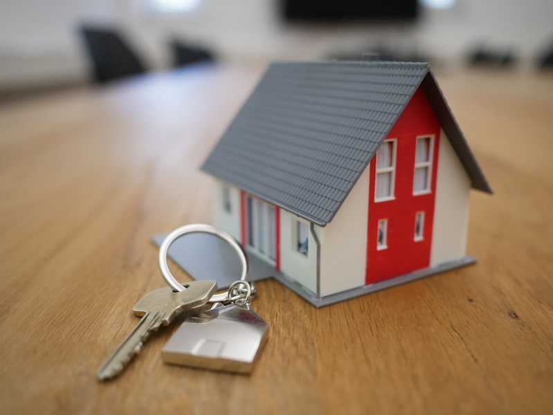 moving keys with house